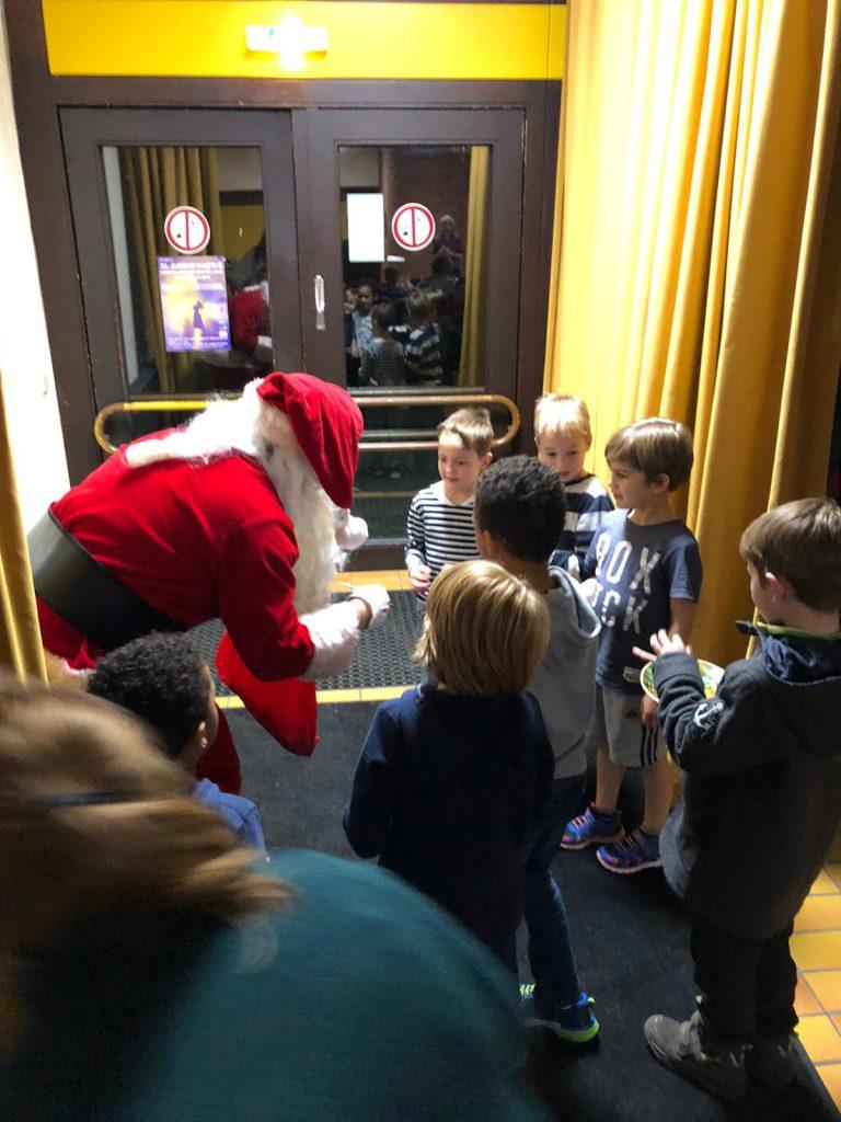 Basketball Weihnachtsfeier: Sogar der Weihnachtsmann kam vorbei!