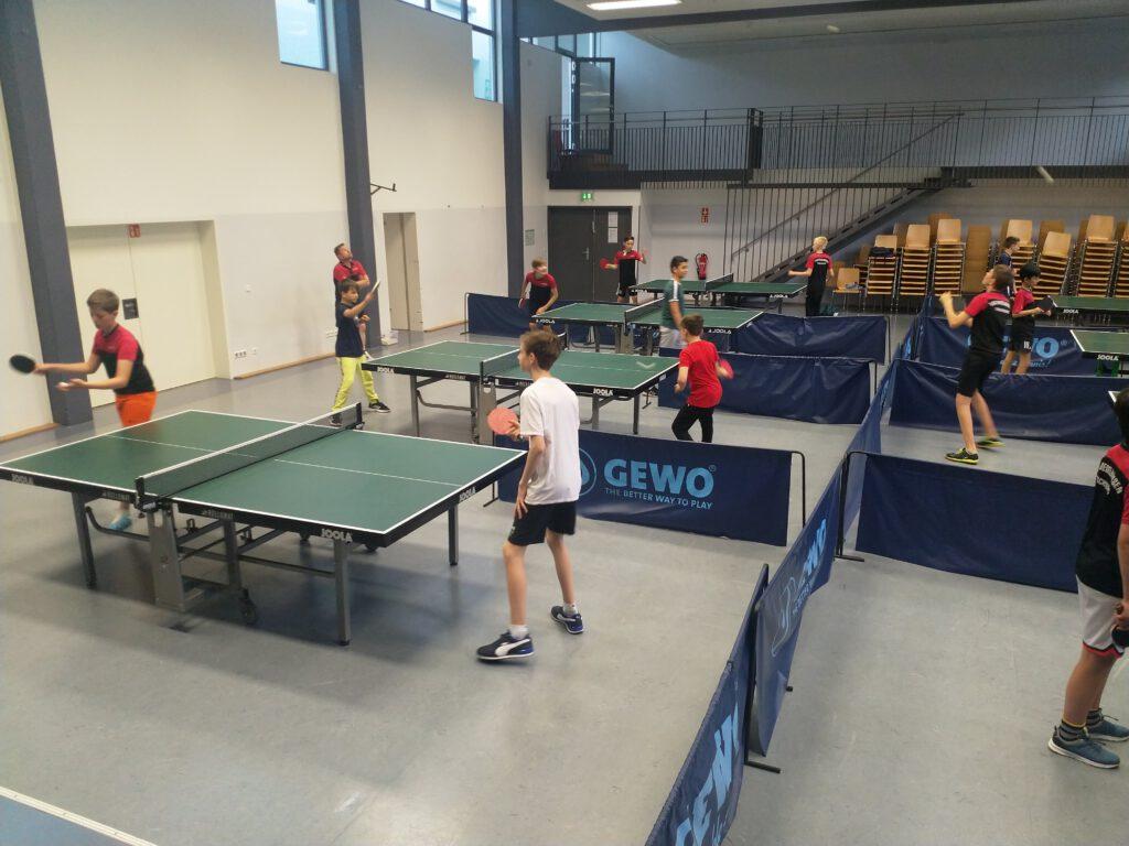 Tischtennisjugend: Alle wieder da beim ersten Training!