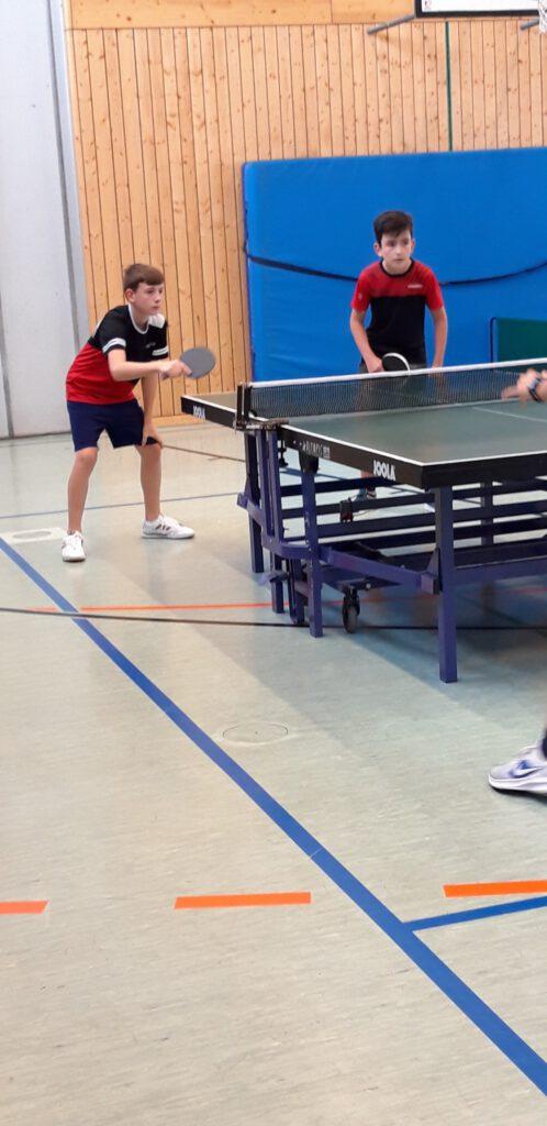 """Tischtennis: 2. Herren siegt unerwartet, """"lehrreiche"""" Woche für die Jugend"""